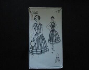 Beautiful 'Audrey Hepburn' style dress pattern!
