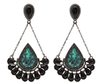 Beautiful earring with stones