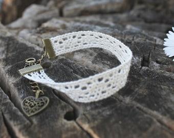 Bracelet ivory lace [001]