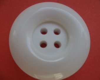7 white buttons 22mm (1250)