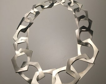 Silver necklace, to degrading geometric elements, entirely handcrafted, gift for her, from the great impact