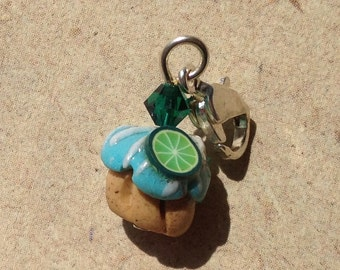 Charm Muffin with  Lime, Necklace pendant