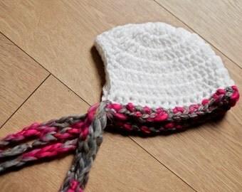 RTS White woolen bonnet: Newborn