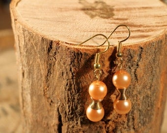 Color earrings gold and pale pink pearls