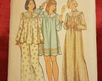 1970 Butterick  #3960 UNCUT SIZE medium