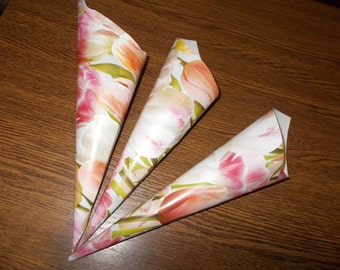 10 Cones for Confetti, Wedding petal cones, Confetti, Wedding cones, Paper Cones, Vintage wedding, confetti cones