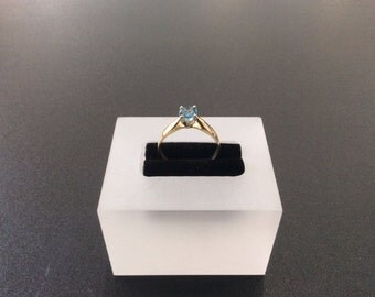 10kt yellow gold ring with blue topaz