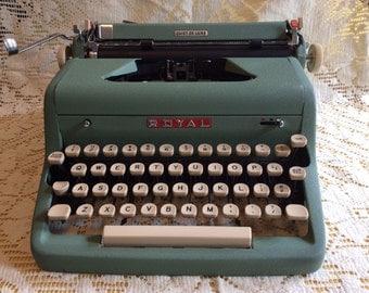 Vintage Royal Quiet De Luxe Typewriter Seafoam Green