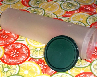 Vintage Tupperware Spaghetti Keeper