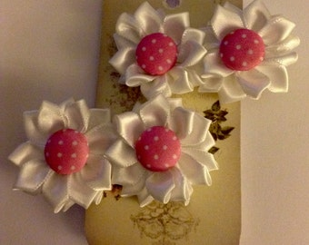 2pc Pretty  flower with polka dot covered button crocodile clip x
