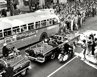 President John F. Kennedy Limo Approaches Dealey Plaza on November 22, 1963 - 5X7, 8X10 or 11X14 Photo (AA-257)