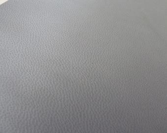piece of leather 10 x 15 cm light grey