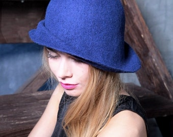"Hat of felt ""Ocean"""