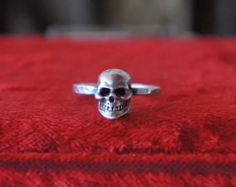 Solid Silver Antique Skull Memento Mori Ring