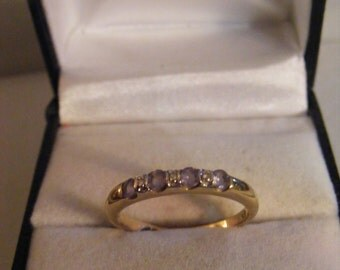 9ct Vintage Ring With Stones