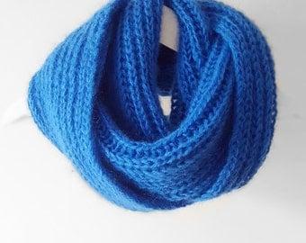 Cozy hand knitted brioche cowl
