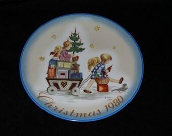 "1980 Schmid Christmas ""Parade into Toyland"" Christmas Plate by Sister Berta Hummel"