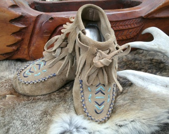Girls Lands End Leather Moccasin Boots, Size 12