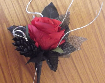 Gothic Wedding Buttonhole/ corsage/ boutonniere/ lapel flower. For Groom, Best Man, Groomsman, Father-of-the-bride, Prom,