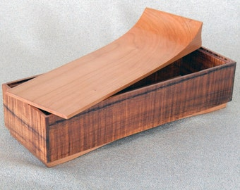 Wooden Keepsake / Jewelry Box made of Honduran Rosewood and Cherry