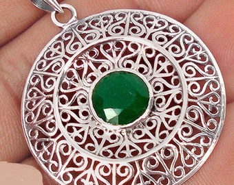Natural Green Chalcedony and Sterling Silver 925 Pendant and Chain