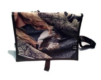 Bag back mid grey white eagle