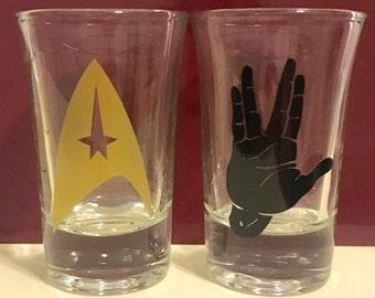 Star Trek Shot Glasses - Vulcan salute & Star Fleet insignia