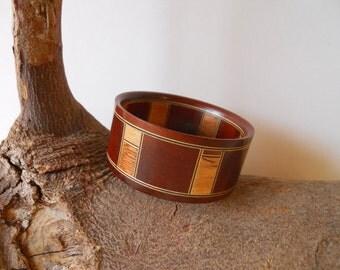 beautiful hardwood bangle.(various woods)