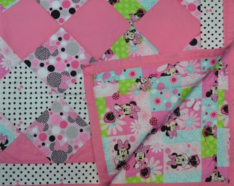 Polka Dot Minnie Mouse Quilt