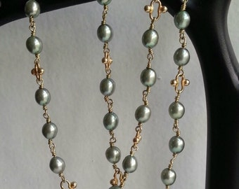 Beautiful necklace with freshwater pearls