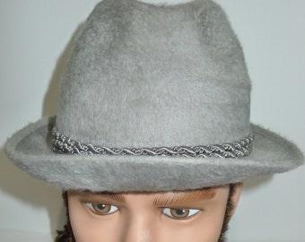 Biltmore Canadian Club Fur Felt Gray Vintage Fedora Hat -  -in very good condition. Elegant chapeau BILTMORE gris en feutre   P  -