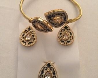 Bracelet pendant and earrings