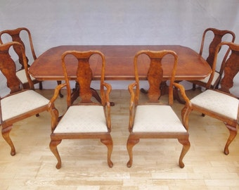 Stunning Antique Style Queen Anne Burr Walnut Extendable Dining Table & 6 Chairs