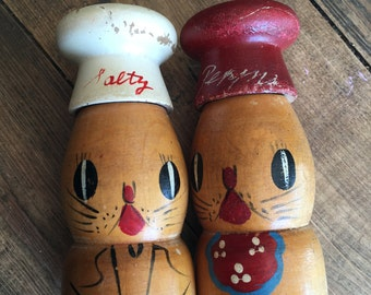 Vintage Japanese Salt/Pepper Shakers