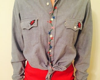 1970s Embroidered Denim Shirt size small