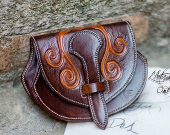 """Leather purse: """"The Druid Val"""""""