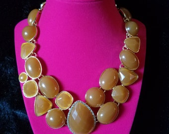 True 1960's Vintage Caramel Colored Multi-Stone Bib/Statement Necklace with Rhinestone Accents! Beautiful Condition, with Adjustable Closure