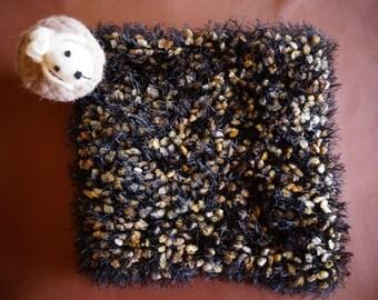 Scarf, acrylic yarn adjusted. Black with beige specks. Warm, very warm.