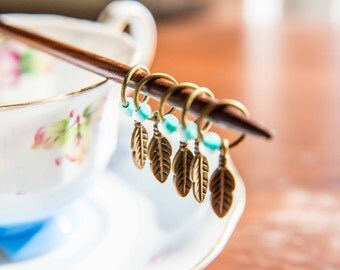No Snag Feather Stitch Markers - Set of 5 in Bronze, Silver, or Copper