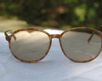 Retro Vintage 1980s Tortoiseshell Corning Sunglasses; 2113S