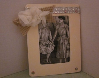 Victorian Ladies Picture - Shabby Cottage