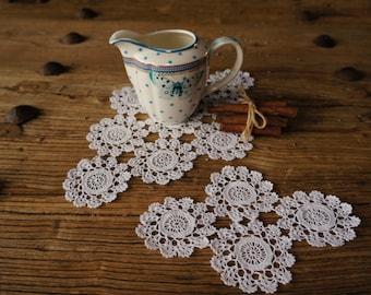 Vintage Crotchet Doilies, 2 Coaster Doilies, Wedding doilies, Flower doilies, Vintage Home Decor, cotton crothet doilies, Vintage Knitting