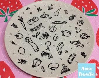 "Handmade decorated ceramic (Fruits) Dish 7,8"" (20cm)"