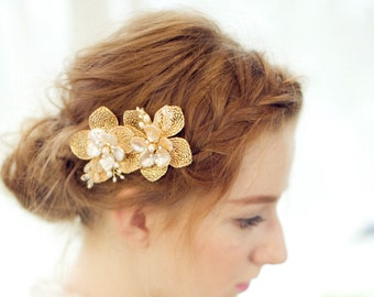 Vintage style Gold Leafs with pearl and crystal