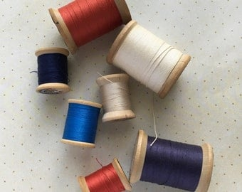 Red, White and Blue: 7 Vintage Wooden Spools