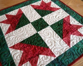 Christmas Mini Quilt, Table Topper - Red and Green Traditional patchwork block, home decor, holiday home, 19 x 19 inches, cotton fabric