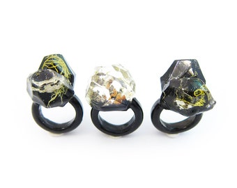 Lichen Moss Terrarium Resin Ring • Size 5 • Eco Resin Ring • Asymmetrical Unusual Ring • Resin Terrarium Ring • Nature Resin Ring • 3A
