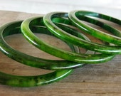 Vintage Bakelite Bangle Bracelets Cucumber spinach green mix Lot of 5 five spacer bangles yellow green swirl
