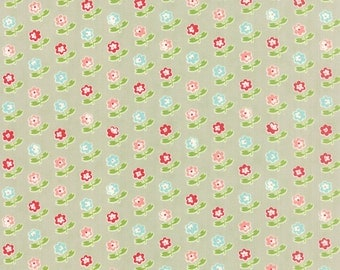 Vintage Picnic - Rosie in Gray: sku 55121-15 cotton quilting fabric by Bonnie and Camille for Moda Fabrics - 1 yard