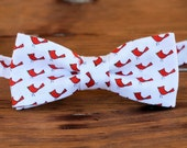 Mens Bow Tie - red cardinals on white cotton bow tie - bowtie for men and teen boys - birthday bow tie - red bird bow tie - gift for him